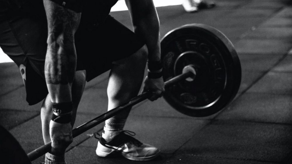 Cardio or Weight Lifting: Which Burns More Calories?